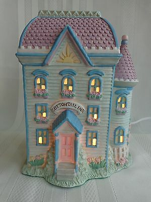 Midwest of Cannon Falls - Cottontail Lane - Cottontail Inn - Easter - Light/Box