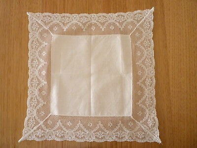 ANTIQUE VINTAGE 1950's WHITE LACE HANDKERCHIEF HANKY WEDDING BRIDE doilie doily