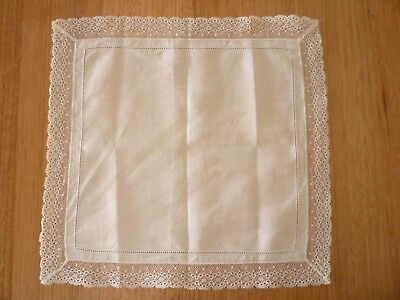 ANTIQUE VINTAGE 1950's  LACE HANDKERCHIEF HANKY WEDDING BRIDE doilie doily
