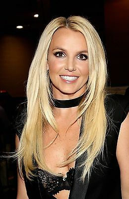 Britney Spears Unsigned 8x12 Photo (57)