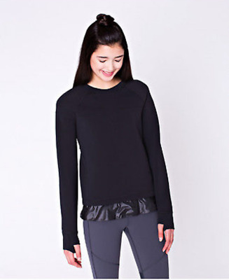NWT LULULEMON IVIVVA  Star Gazer Spacer LS  Size 12  Black Pullover Top Pretty!