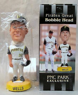 2003  KIP WELLS Pittsburgh Pirates baseball nodder bobblehead bobber doll MIB