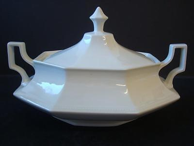 Johnson Brothers Heritage White Lidded Vegetable Tureen