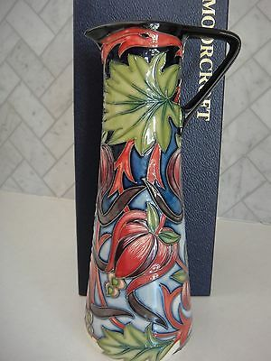 Moorcroft Red Ribbon Vase, MCC 2004 as new in box