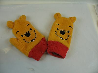 Winnie the Pooh toddler mittens used in good condition 2-3X