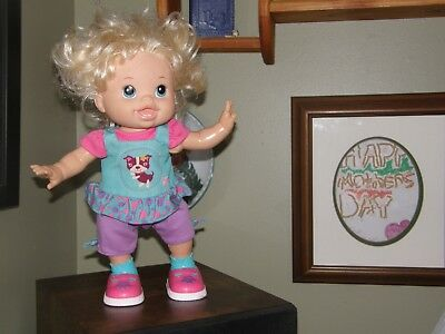 2011 Baby Alive Doll I Wanna Walk , Walking & Talking WORKS Original Outfit