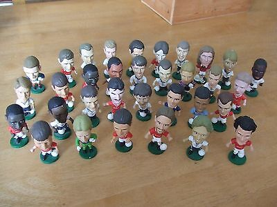 33 loose Various Corinthian Football Figures 1995 England Liverpool Man Utd