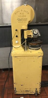 Kaisser D-300 Dial O Matic Pie Press On Stand