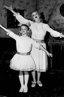 What Ever Happened to Baby Jane? UNSIGNED photo - K4078 - Bette Davis
