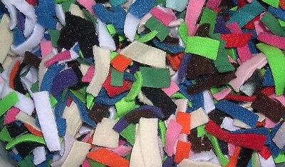 140g fleece pieces for bedding/nesting. Suitable for rats, hamsters, degu