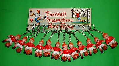 12 Vintage Football Keyrings Manchester United George Best A&bc Cards Era 1970