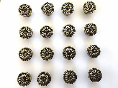 Vintage Brass Drawer Pulls Cabinet Knobs Hardware Lot of 20 Matching Floral 1.25