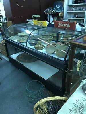 Antique Curved Glass Showcase With Bass 6 Foot