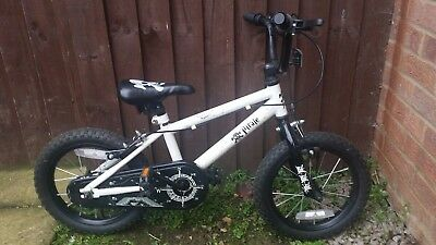 Boys Pirate bike,suit 3-5 yrs old,used in good condition - see pictures