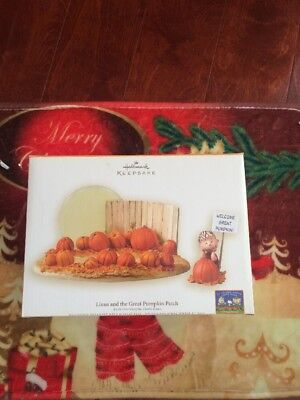 Halloween 2006 Display 3 piece set Linus and the Great Pumpkin Patch by Hallmark