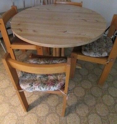 Vintage Solid Oak Wood With Laminate Top Round Pedestal Table With 4 Chairs