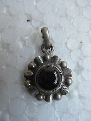 Antique Natural Beautiful Grey Agate Gemstone Floral Shaped Silver Pendant India