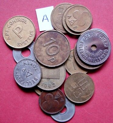 VERY COLLECTABLE BULK LOT OF 18 MIXED MACHINE/GAMING ETc METAL TOKENS        A