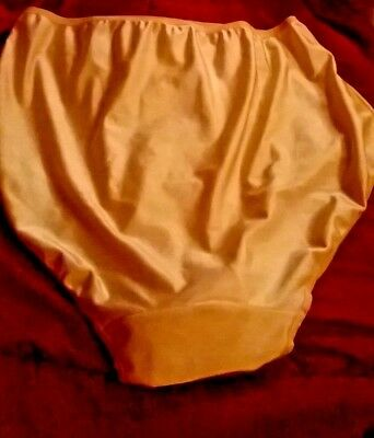 Fab pair of natural coloured waist high full bottom cover panties 24/26 (T50)