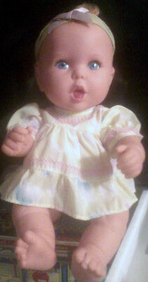 VINTAGE GERBER BABY DOLL 1994 15 inch  Blue Eyes Jointed Vinyl EUC