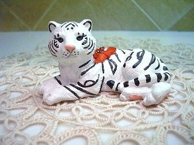 NWT Beautiful White Tiger Ornament Collectible Cold Cast Stone Resin by MidWest