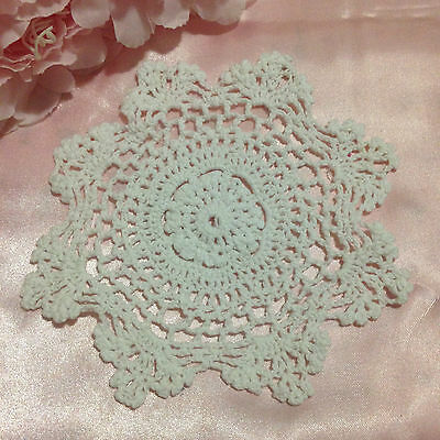 (4) x Sweet Crotchet Doilies in White! Very pretty! Don't miss out!