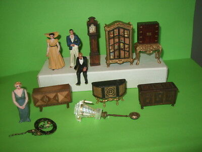 Old Wooden 1920S/30S Dolls House Figures And Furniture