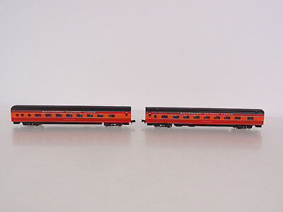 Atlas N Scale Southern Pacific Lines 2 Illuminated Passenger Coach Car Set 2671