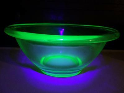 Hocking Glass Co depression glass rolled edge mixing bowl