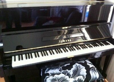 YAMAHA U1 Piano with Stool