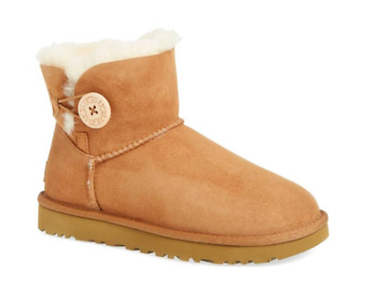 UGG Women's Mini Bailey Button II Boots - CHESTNUT