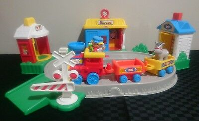 Fisher Price Little People Pop and Suprise Train Set
