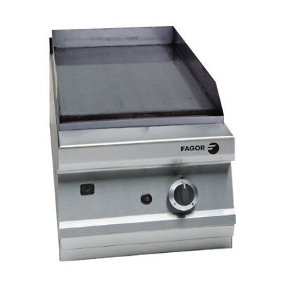 F.E.D Fagor 900 series natural gas mild steel 1 zone fry top FTG9-05L