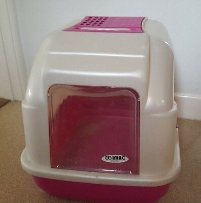 Premium Pet Cat Litter Tray, Hooded with swing door entry.  Made by Imac.