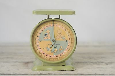 Vintage Green 30 lb Baby Scale Chippy Shabby No Basket Sweet Graphics