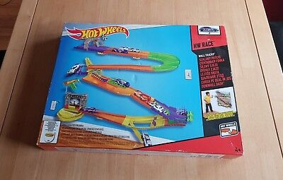 Hot Wheels Wall Track, New.