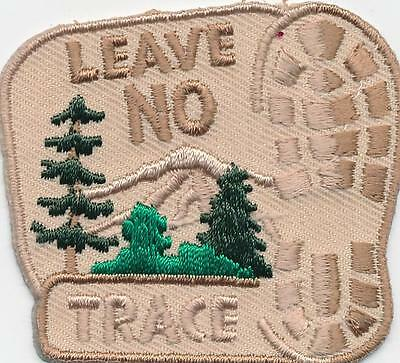 Girl Boy Cub LEAVE NO TRACE Fun Patches Crests Badges SCOUTS GUIDE hiking trip