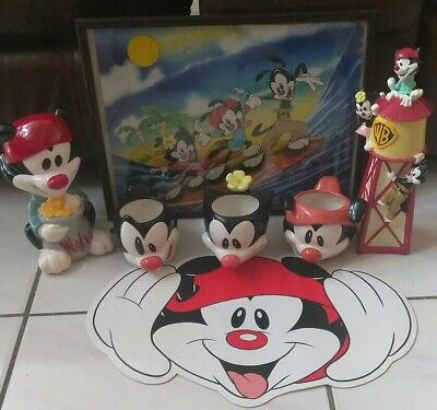 Animaniacs Warner Bros mugs piggy coin Bank water tower framed puzzle lot !!