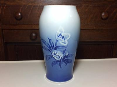 B&G Copenhagen porcelain vase # 682 made in Denmark