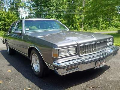 1989 Chevrolet caprice  1989 chevy caprice loaded cloth,in music video ,flow master, AR wheels, restored