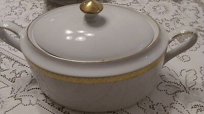 Centurion Collection Pure Gold Oval Covered Vegetable 3Qt            Mmc7