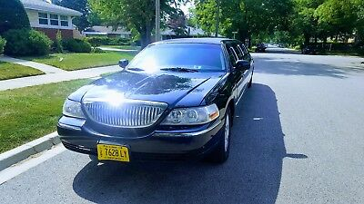 "2010 Lincoln Town Car  2010 Lincoln Town Car Stretch Limousine 120"" ( up to 8-10 passengers )"