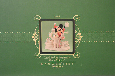 "Department 56 Snowbabies Disney ""LOOK WHAT WE HAVE FOR MICKEY"" 2005 NIB! NEW"