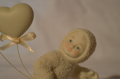 "DEPARTMENT 56 Snowbabies ""LOVE IS IN THE AIR"" FIGURINE! HEART BALLOON VALENTINES"