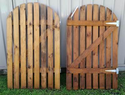 Garden Gate Picket Treated Pine 900 x 1500mm Open Round Top (Pair, Set of Two)