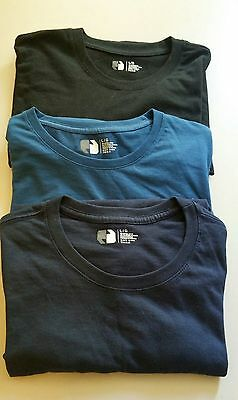 Nearly New. Lot of 3 Mens T-Shirts Size Large