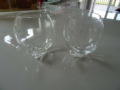 Two rocking glass wiskey/drinks tumblers with stand