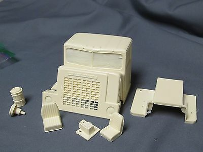 Resin International Harvester Conco.  1/25th scale.  Doubles, Common Carrier.
