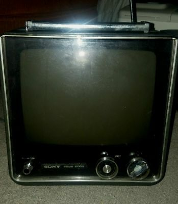 """Vintage Sony Solid State TV Portable Television 11"""" w/ Handle"""