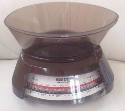 Vintage Retro Salter Kitchen Scales. Lovely Condition. Made In England